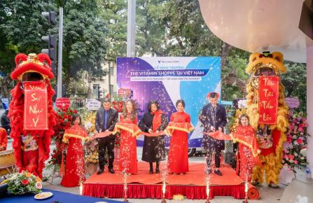 The ribbon-cutting at The Vitamin Shoppe in Hanoi.