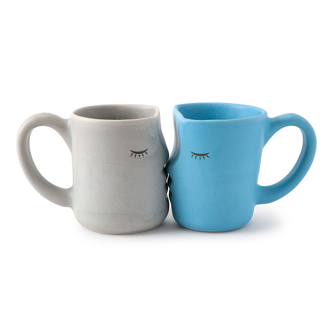 """25 Unexpected Ways To Say """"I Love You"""" this Valentine's Day, Uncommon Goods Kissing Mugs"""