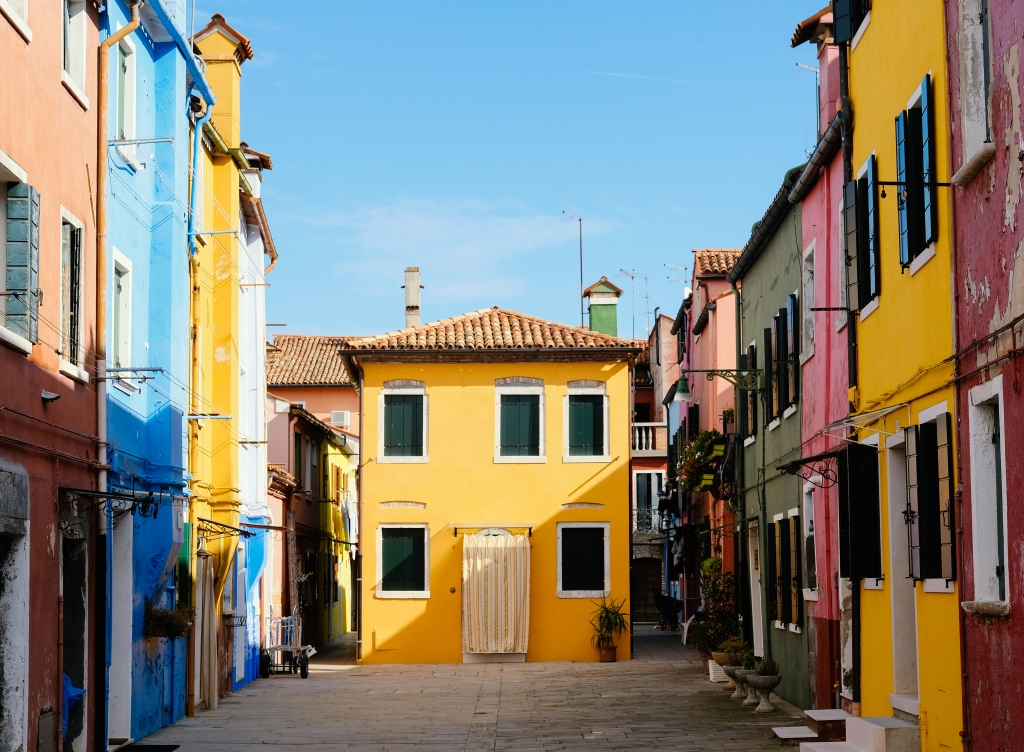 doors-of-italy-burano-italy