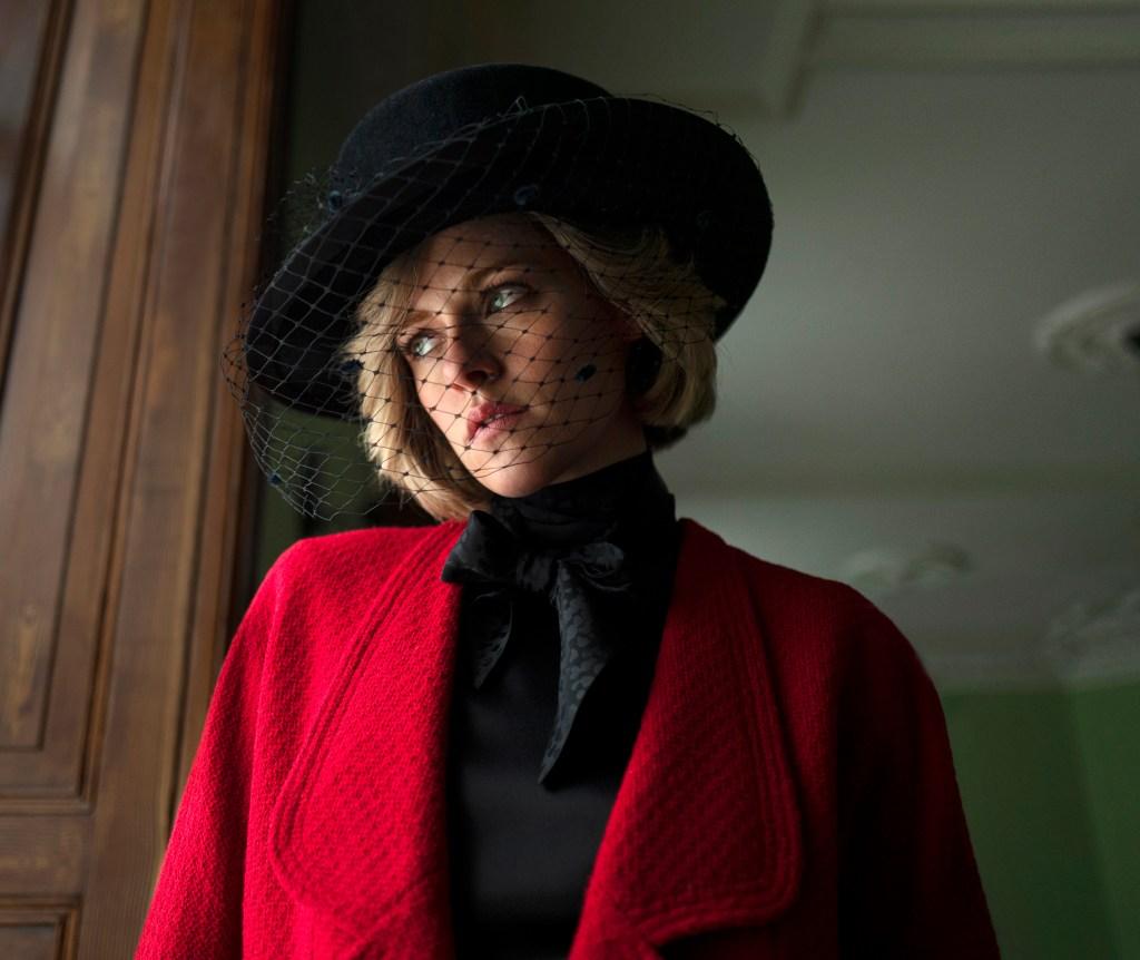 "Kristen Stewart as Princess Diana: First Photo from ""Spencer"""