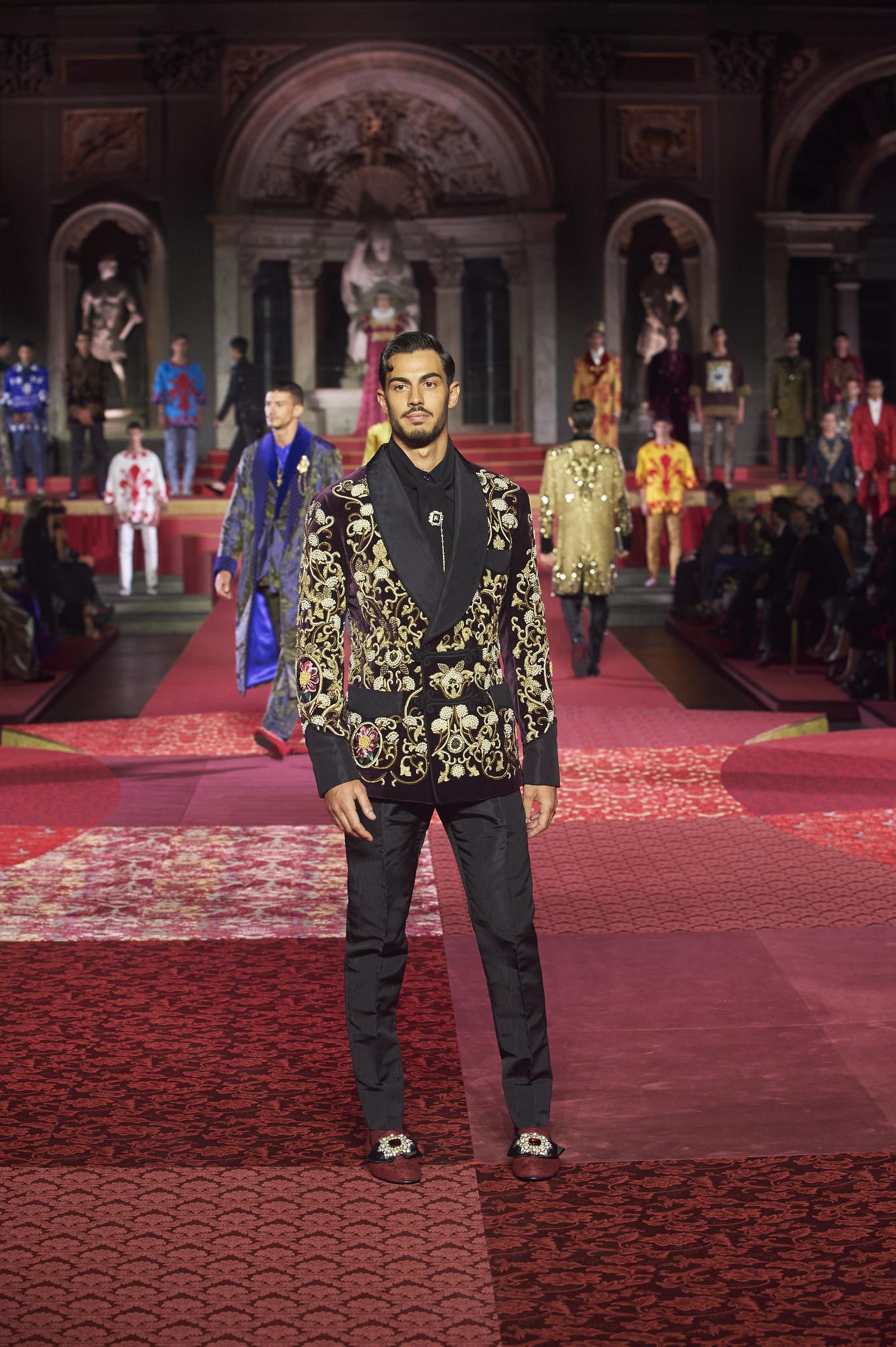 A look from Dolce & Gabbana Alta Sartoria collection