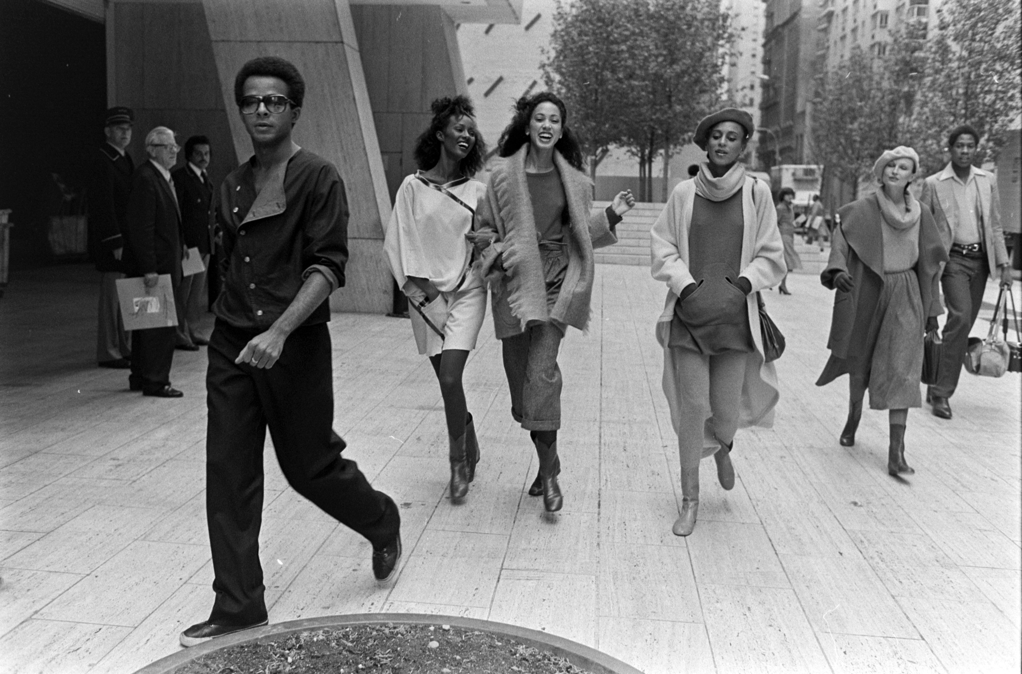 Designer Stephen Burrows journalist Andre Leon Talley and models in looks from Stephen Burrows   Fall 1977 Ready to Wear Advance.