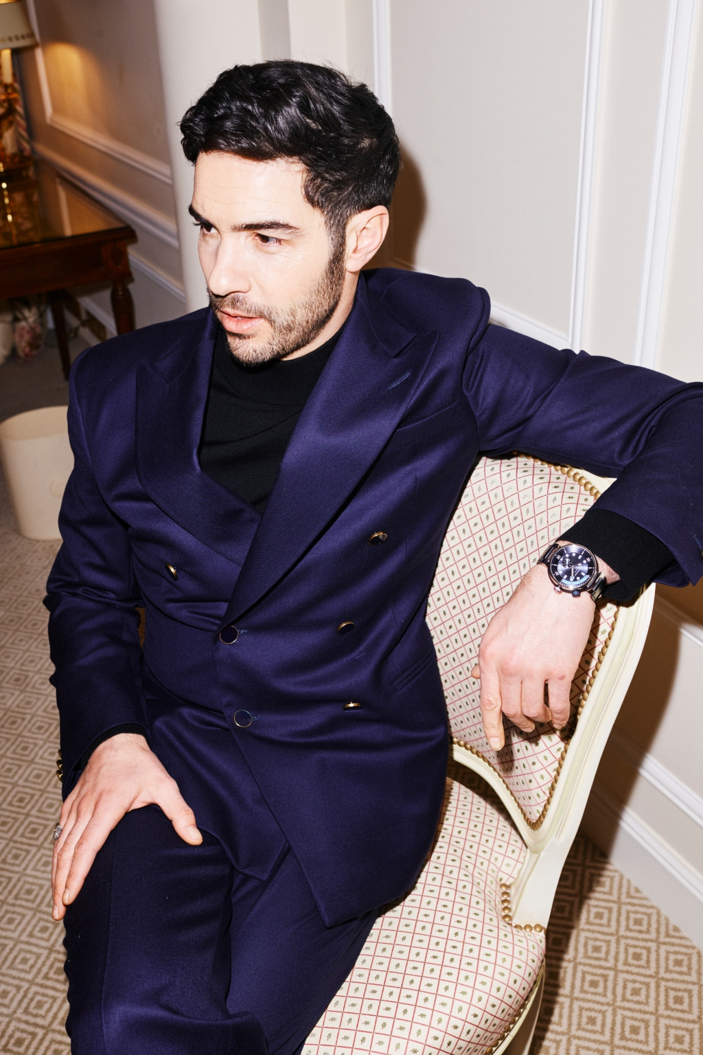 Tahar Rahim wearing the Louis Vuitton Tambour Street Driver watch for the Golden Globes.