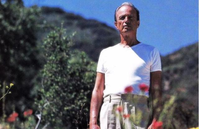 Fred Segal, Famed L.A. Retailer, Dies.jpg