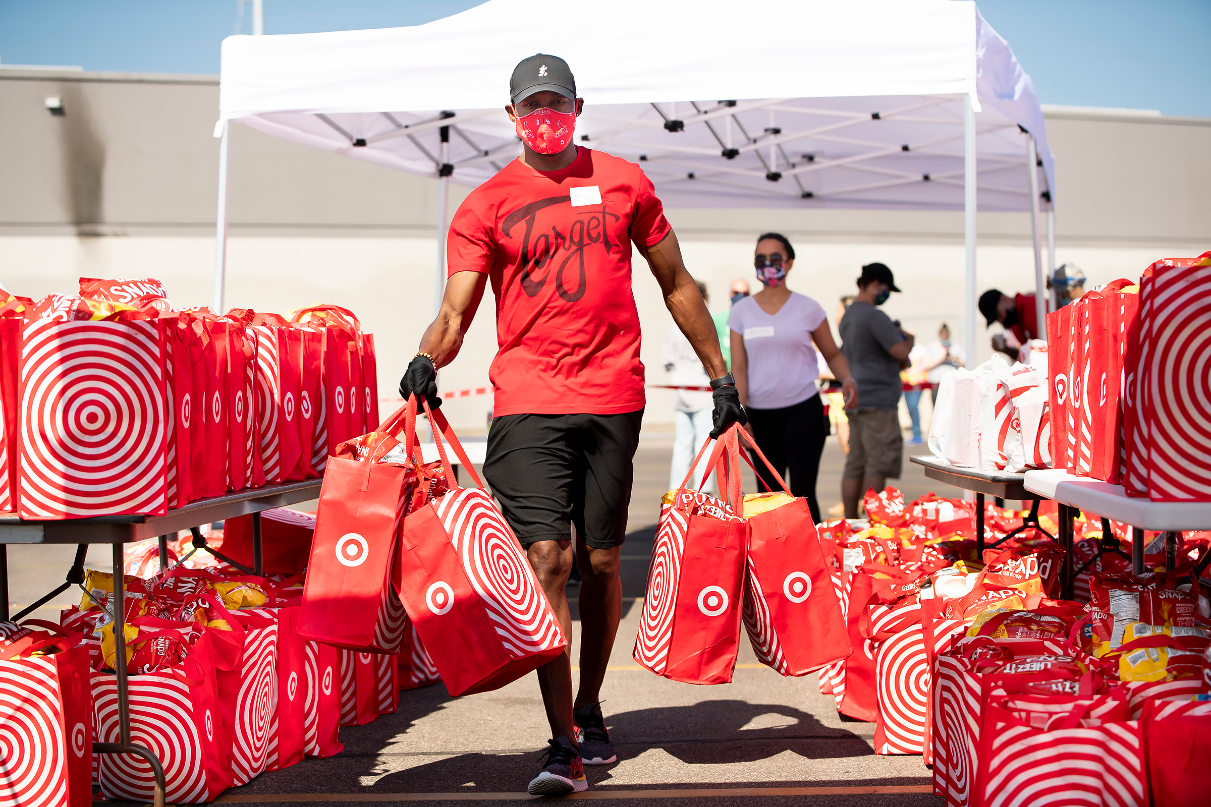 A Target employee pitches in at a volunteer event.