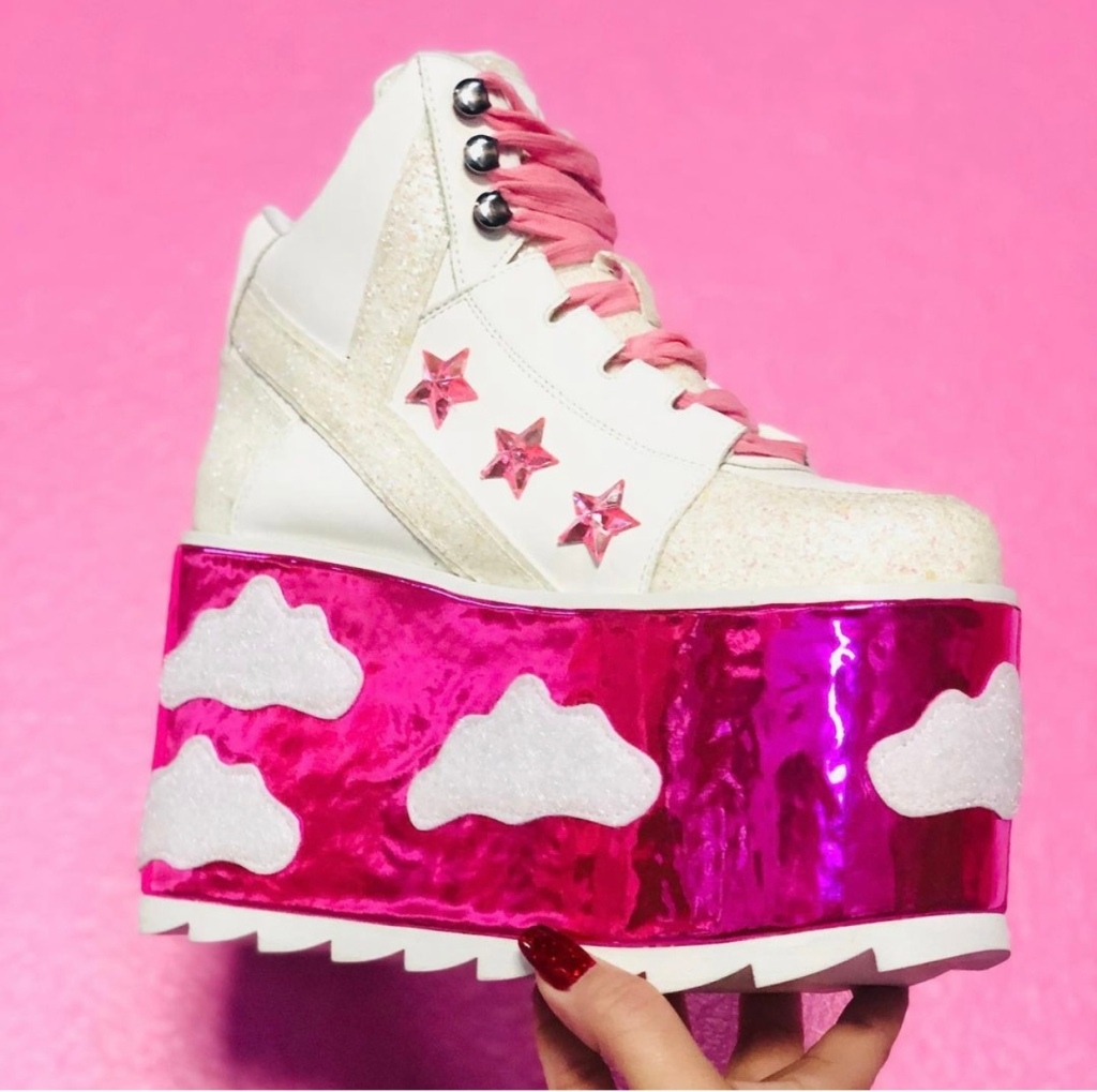 The Qozmo Sky sneaker from YRU Shoes.