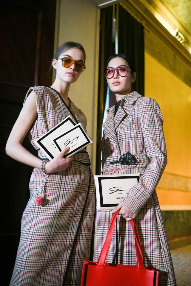 genny apple leather handbags runway fall 2021