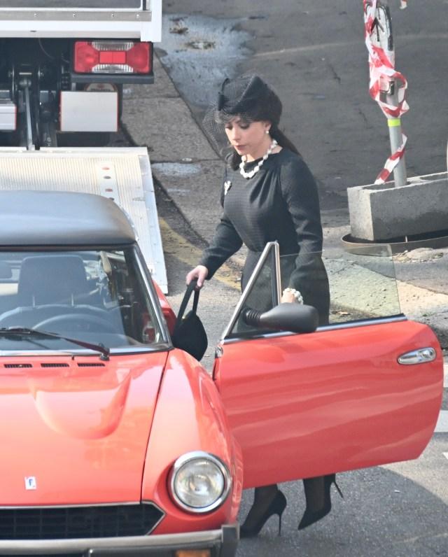 لیدی گاگا در فیلمبرداری خانه گوچی در میلان