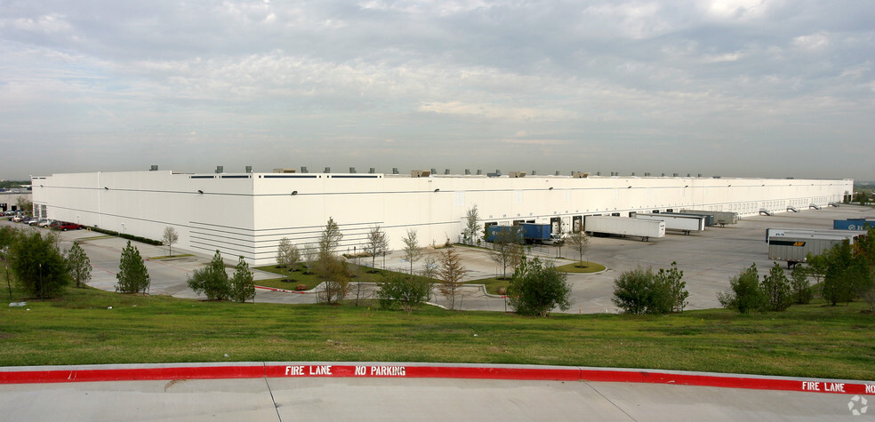 Neiman Marcus Group's distribution center in Pinnacle Park, Dallas will be modernized.