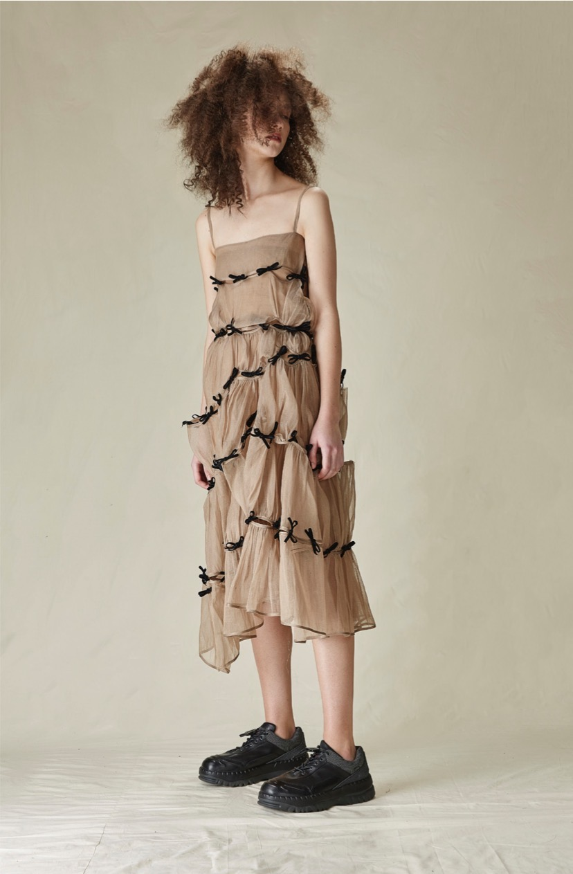 Märchen's viral silk dress