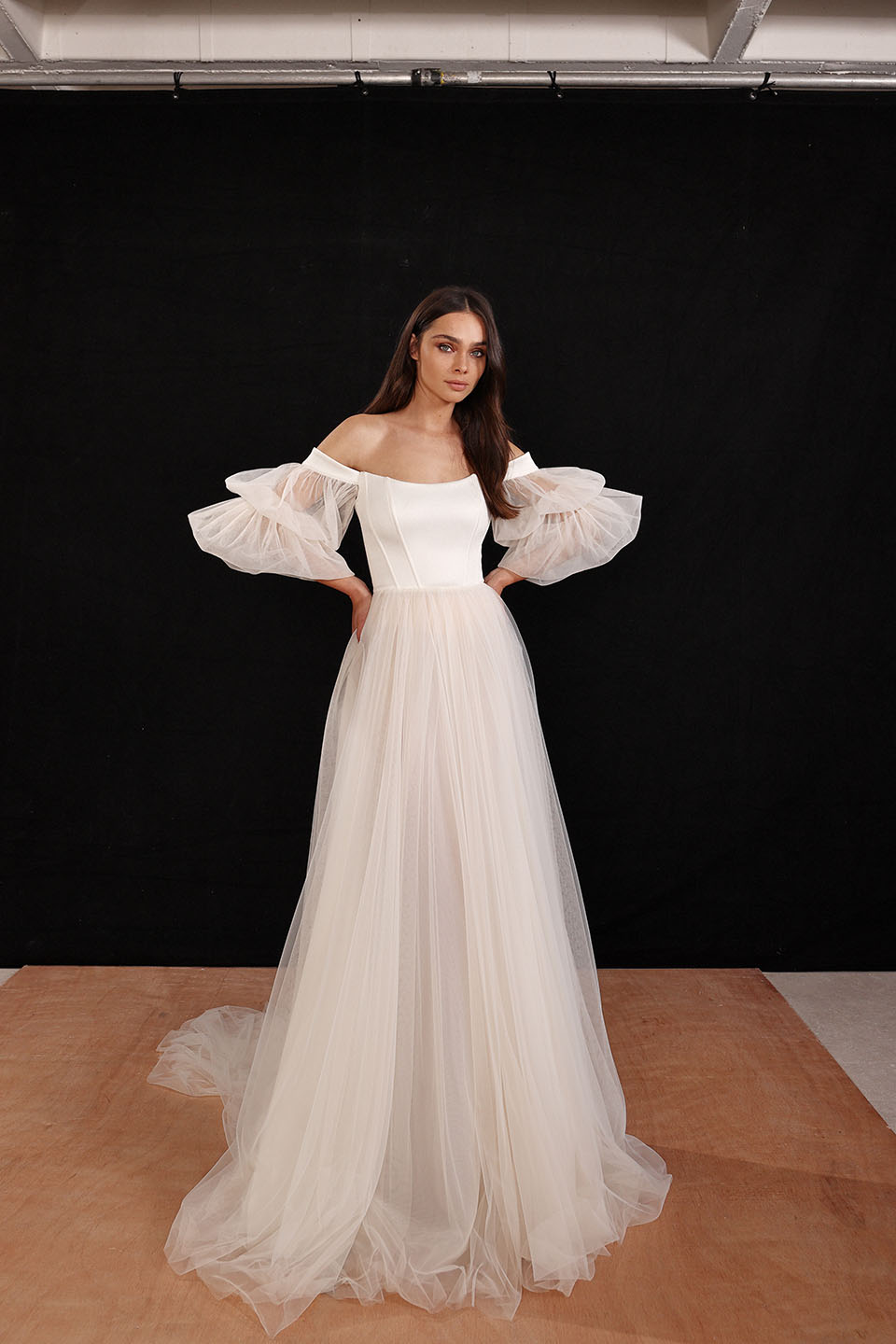 "Galia Lahav ""Urban Love Story"" Bridal Spring 2022"
