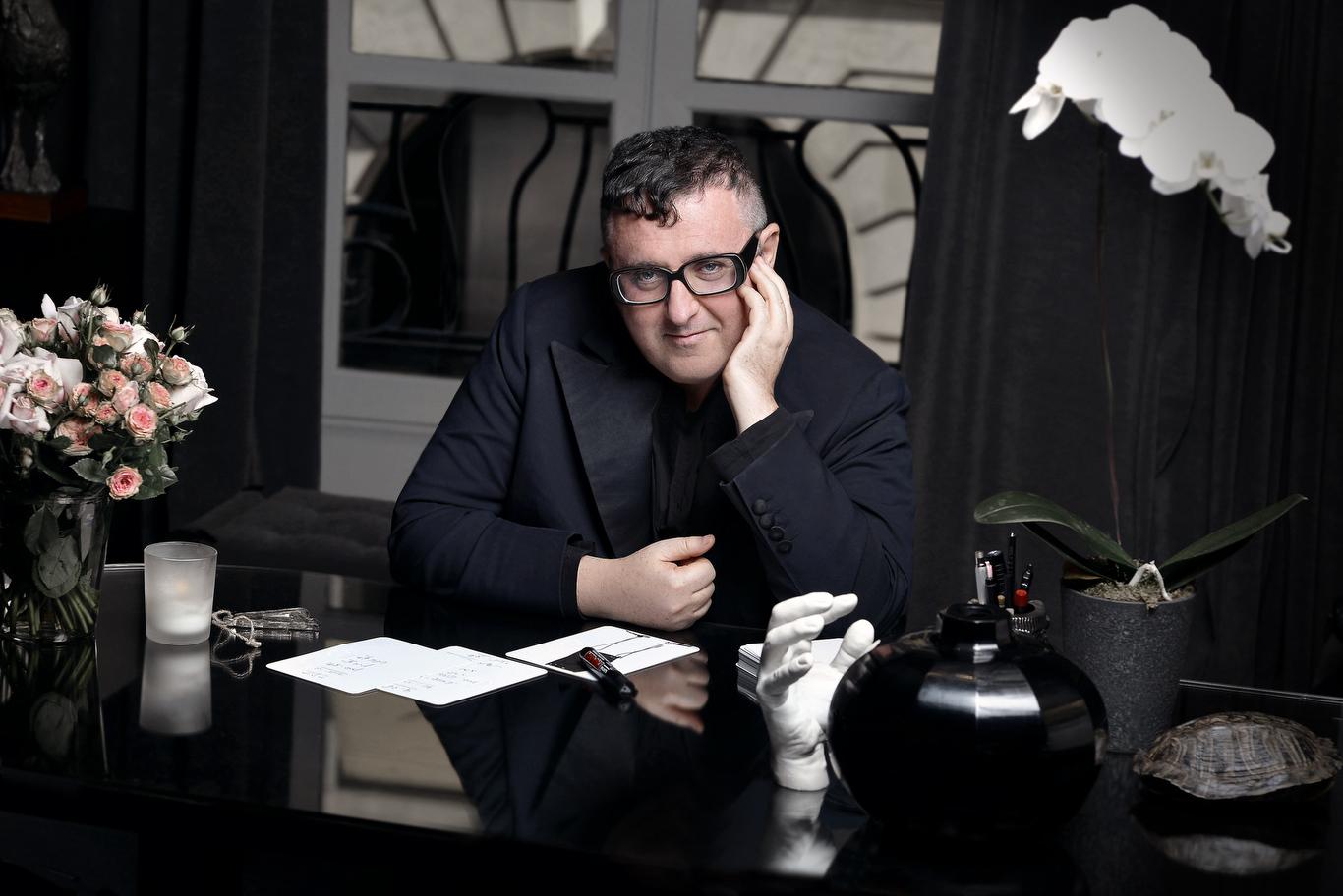 Alber Elbaz at his desk.