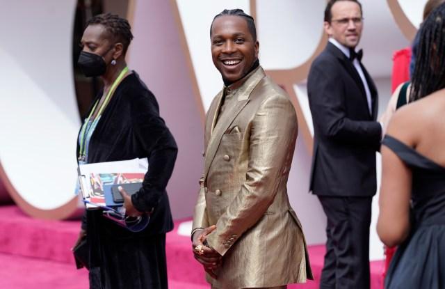 Leslie Odom Jr. 2021 Oscars Red Carpet Look