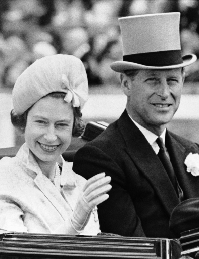 Prince Philip wore traditional gray topper as he escorted Queen Elizabeth II to the races at Ascot, England on June 19, 1962.