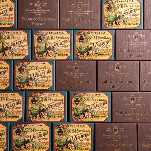 کارگاه عطر دارویی صابون های سانتا ماریا نولا.