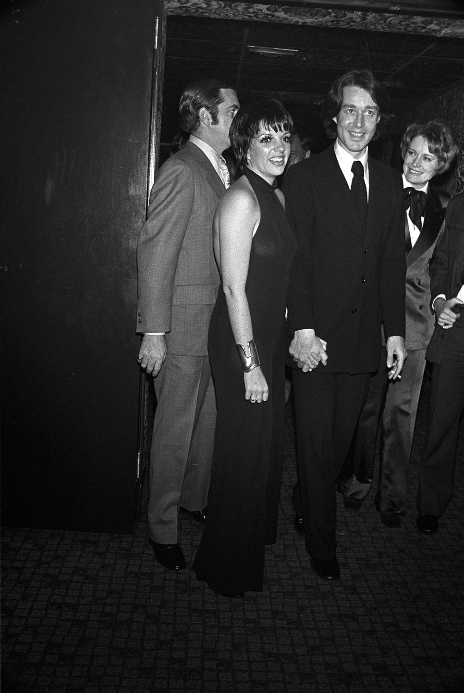 هالستون و لیزا مینلی در 6 فوریه 1972 به احترام او در یک رقص شام در رستوران آل مونیا در نیویورک شرکت کردند.