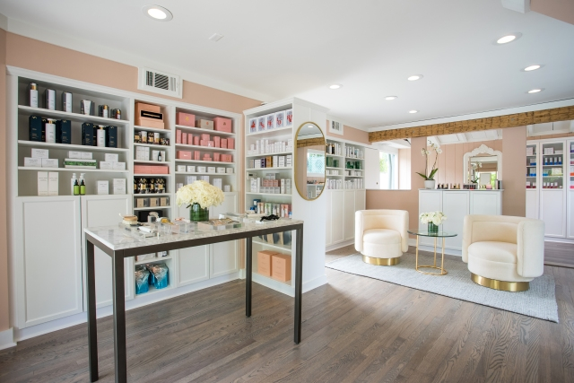 Knockout Beauty's Locust Valley location