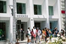 Hermès Beats Estimates for First Half