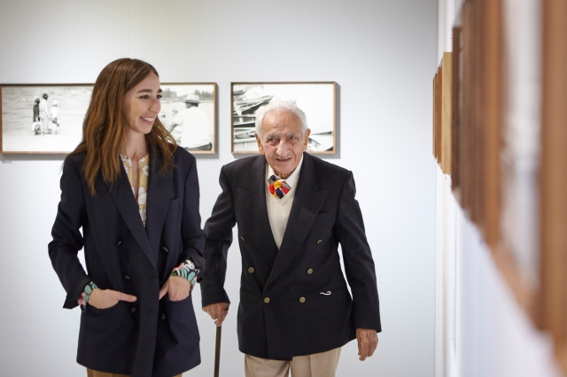 پائولو دی پائولو در افتتاحیه نمایشگاه های خود در گالریا کارلا سوزانی.