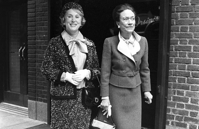 Estee Lauder and The Duchess of York, Wallis Simpson at Orsini's Restaurant in New York, 1974.