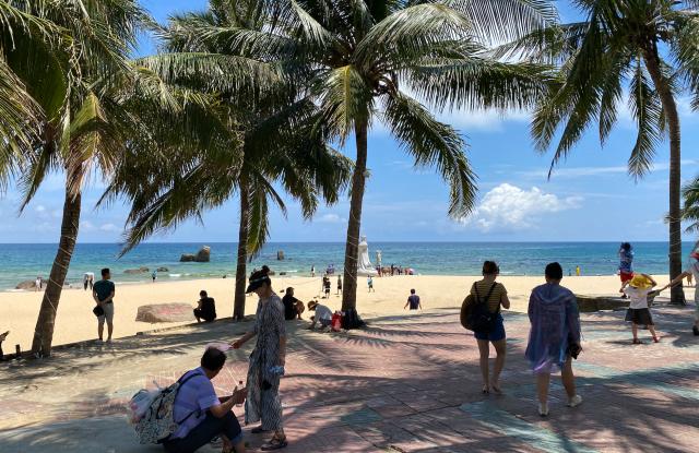 A beach on the eastern coast of Hainan.