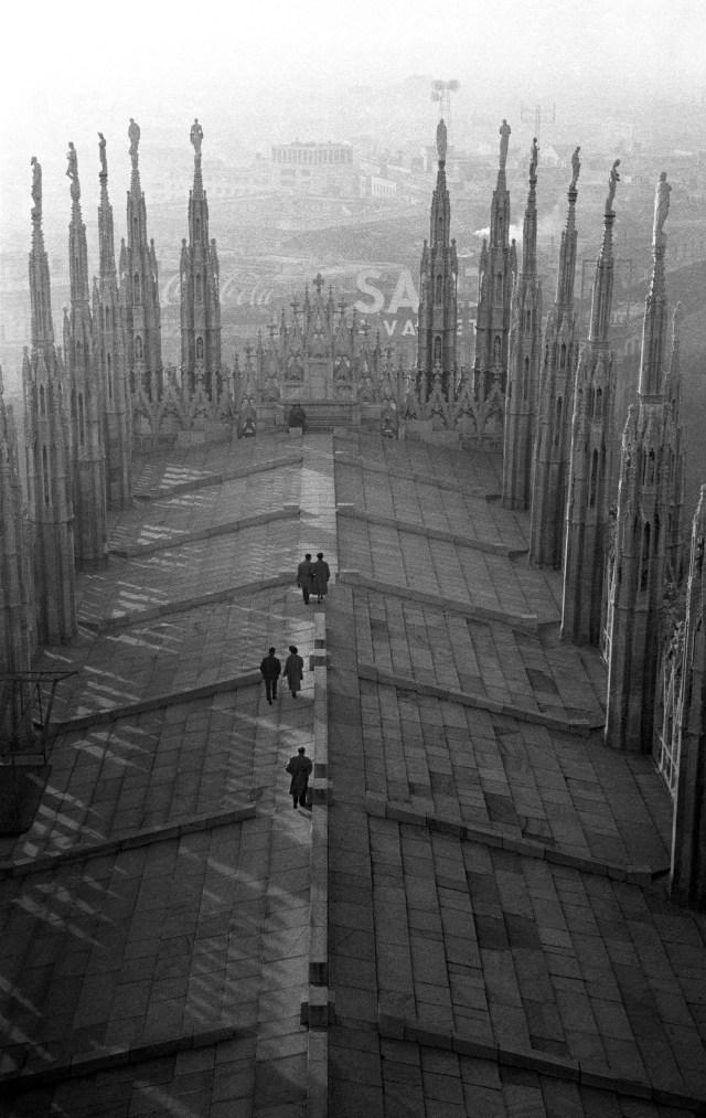 در پشت بام Duomo ، 1960.