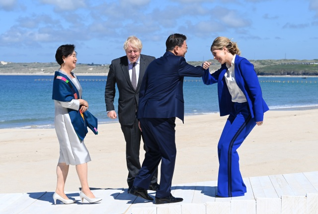 Boris Johnson and wife Carrie meet His Excellency, Moon Jae-in, Presidentt if the Republic of Korea and wife Mrs Kim Jung-Sook at The Carbis Bay Hotel.12th June.Copyright: David Fisher/ G7 Cornwall 2021