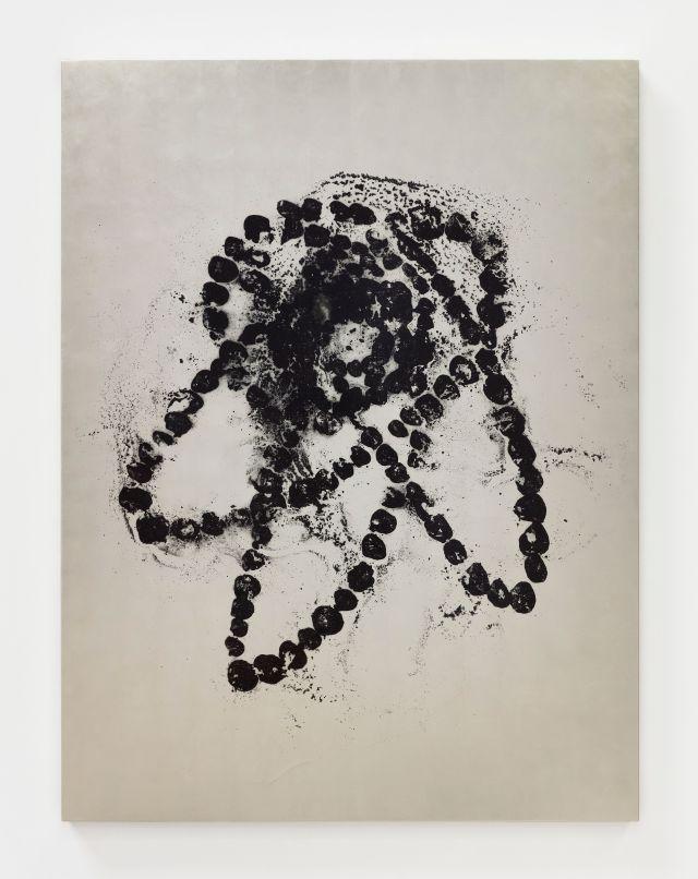 Kiku Chrysanteme, 2020. Painting on canvas, black ink on white gold leaf.
