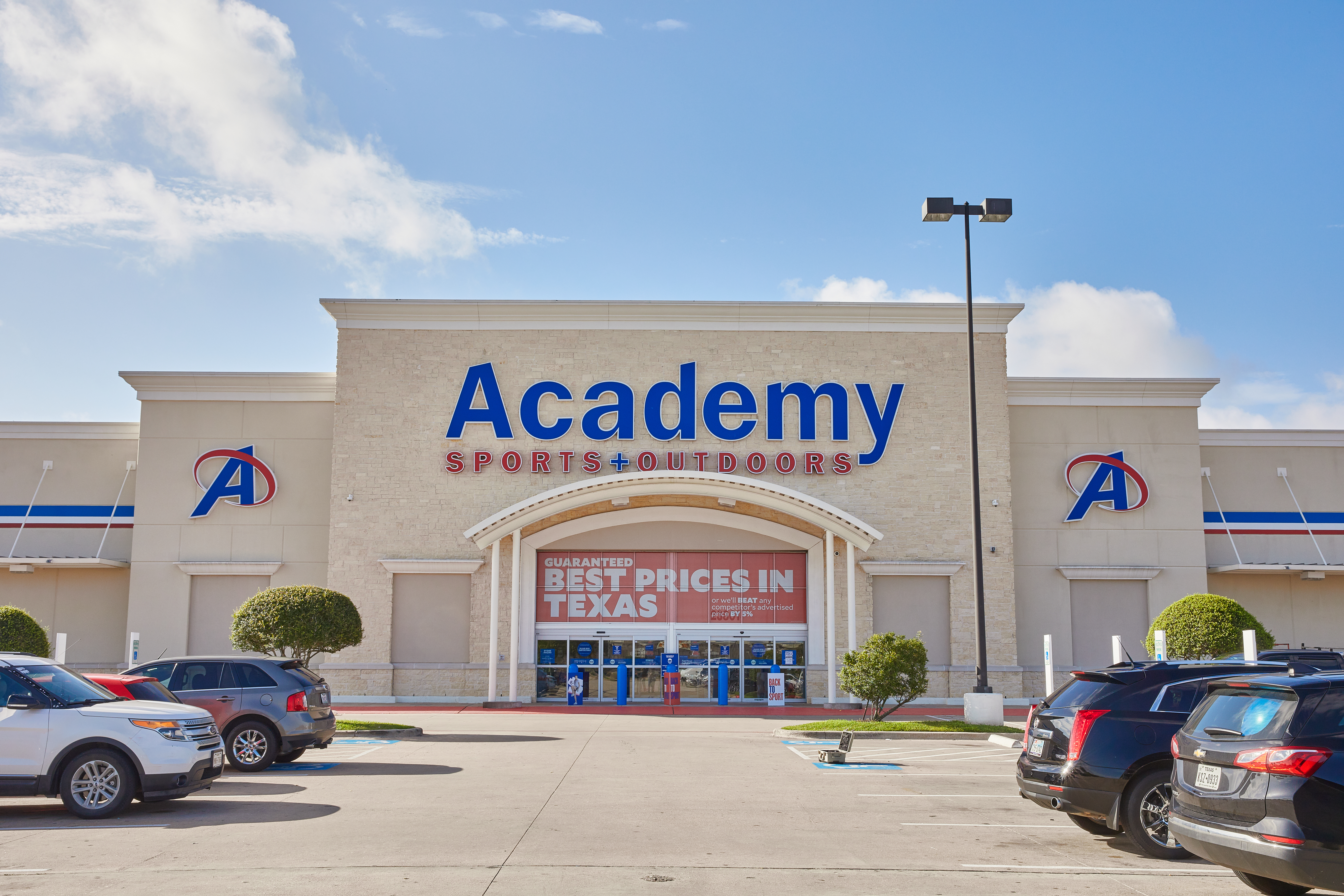 Katy, Texas-based Academy Sports and Outdoors on Tuesday reported net income of $177.8 million for the quarter ended May 1.