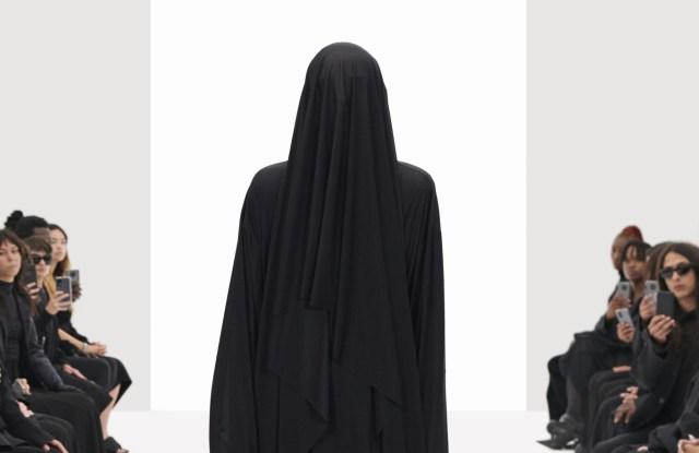 Balenciaga Spring 2022.jpg