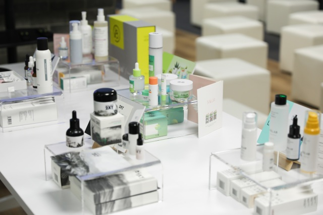 Some products from the Chinese beauty startups.