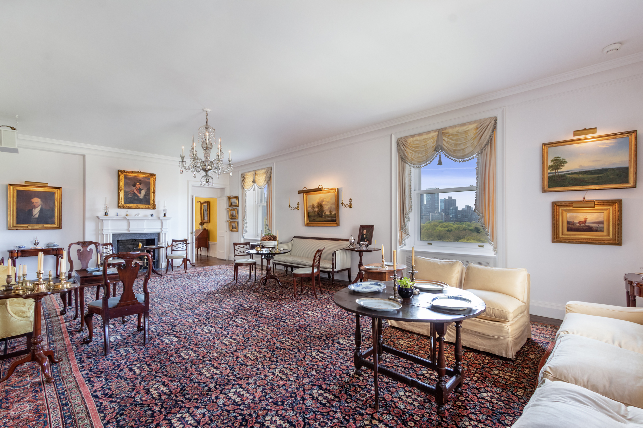 The living room of the Fifth Avenue apartment that once belonged to Harry Winston.