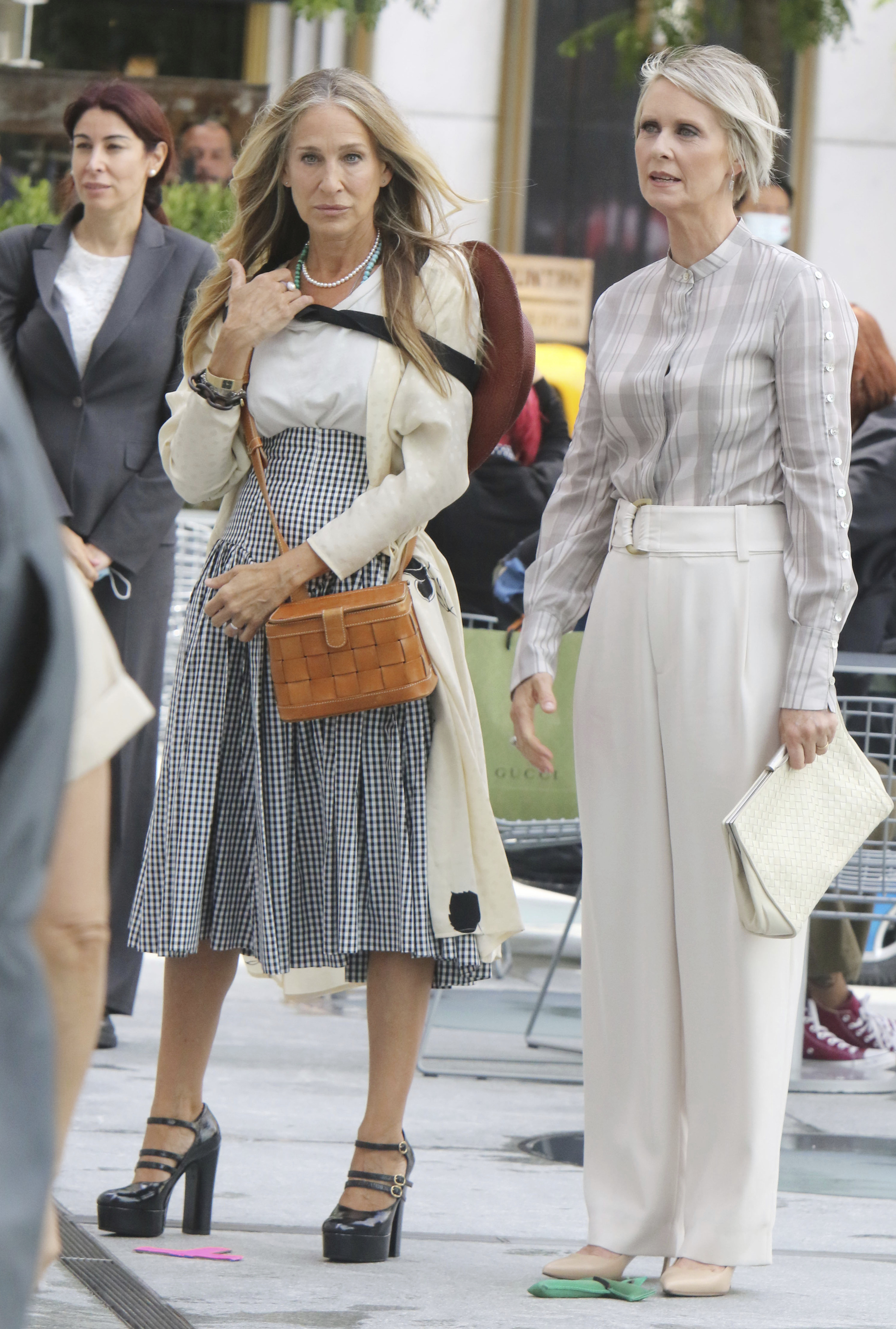 Sarah Jessica Parker and Cynthia Nixon as Carrie Bradshaw and Miranda Hobbes in the Sex and the City Reboot filming