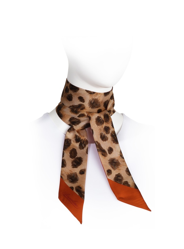A Borsalino scarf manufactured under license by Isa SpA.