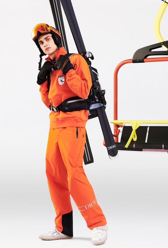 Un look de la ligne capsule de ski pour hommes de Dior conçue avec Peter Doig.