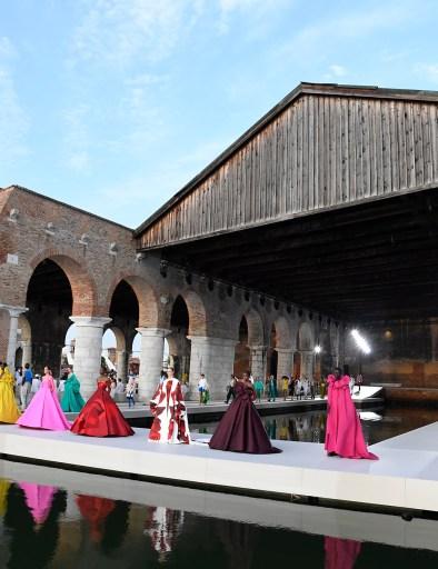 Valentino Couture Fall 2021