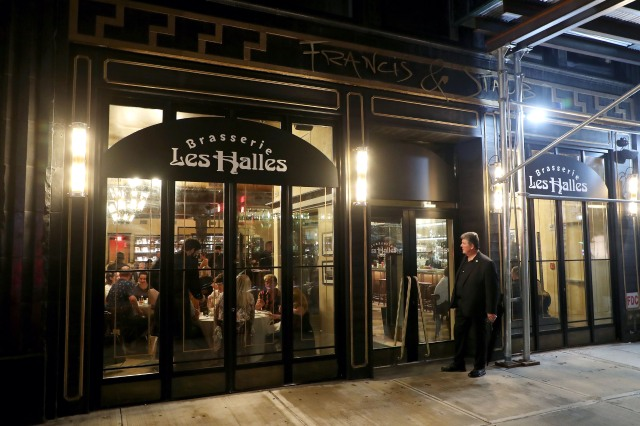 -New York, NY - 20210708 Focus Features and Resy hosted the Opening Night of BRASSERIE LES HALLES POP-UP on July 8, 2021, at the original Les Halles location in New York City. Brasserie Les Halles returns for a limited time from July 9-11, in celebration of Morgan Neville's Roadrunner: A Film About Anthony Bourdain-PICTURED: Les Halles Pop-Up-PHOTO by: Marion Curtis/StarPix-Location: Les Halles Pop-Up, 411 Park Ave South