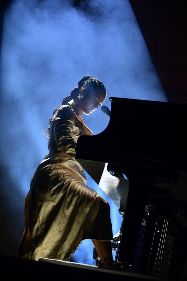 Alicia Keys at amfAR.