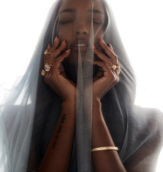 Logan Hollowell Launches Customizable Bridal Jewelry Line