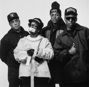 Groupe de hip-hop NWA dans Starter.