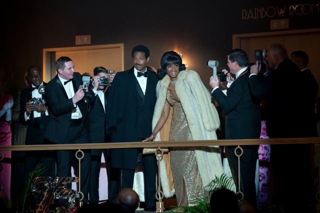 R_18896_RC(ctr) Marlon Wayans stars as Ted White and Jennifer Hudson as Aretha Franklin in RESPECT A Metro Goldwyn Mayer Pictures film Photo credit: Quantrell D. Colbert