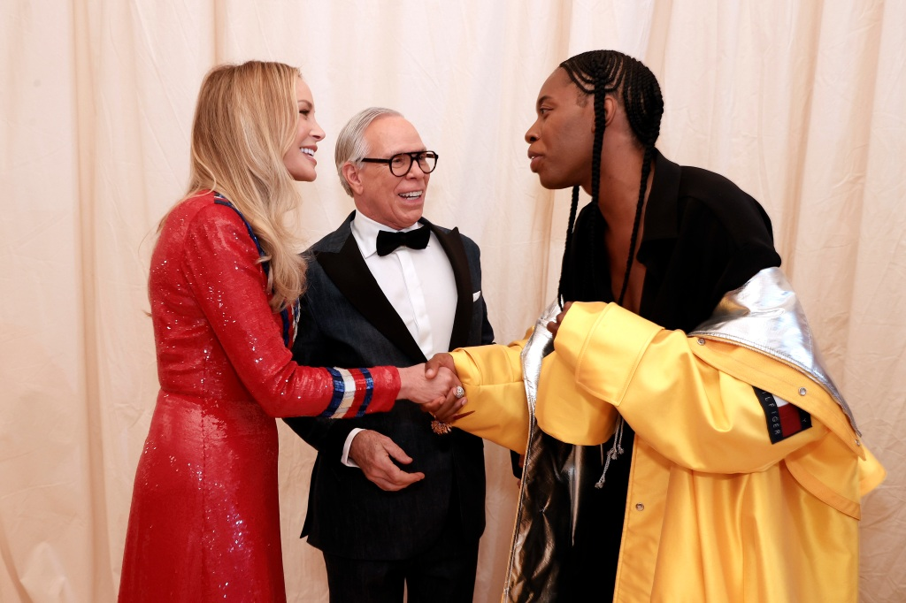 NEW YORK, NEW YORK - SEPTEMBER 13: Dee Hilfiger, Tommy Hilfiger and Jeremy O. Harris attend The 2021 Met Gala Celebrating In America: A Lexicon Of Fashion at Metropolitan Museum of Art on September 13, 2021 in New York City. (Photo by Arturo Holmes/MG21/Getty Images)