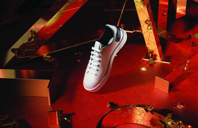 Valentino-backnet-sneakers
